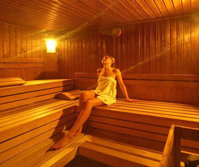 Comment poser du lambris sous avant toit devis gratuit travaux maison aulna - Pose lambris pvc sous avant toit ...