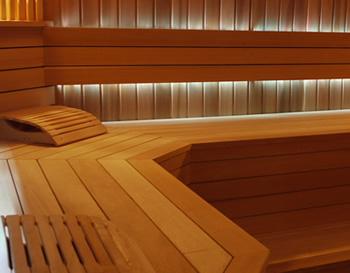 lambris bois chataignier toulon societe francaise de renovation immobiliere plafond suspendu. Black Bedroom Furniture Sets. Home Design Ideas